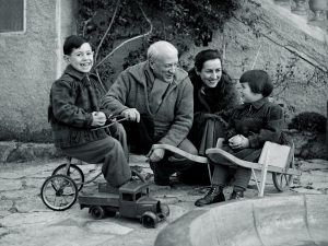 "Picasso and Françoise and their children Claude and Paloma in the gardens of ""La Galloise"". Vallauris 1953"